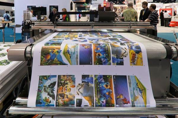 Images des films pour enfants les plus populaires imprimées par une imprimante grand format