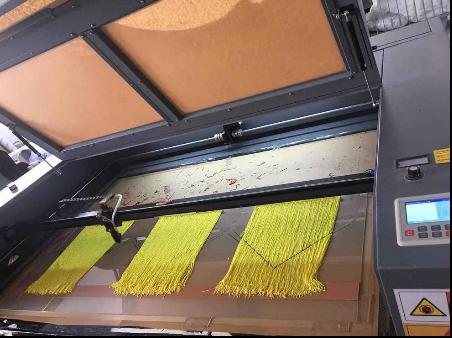 Machine de découpe au laser 3